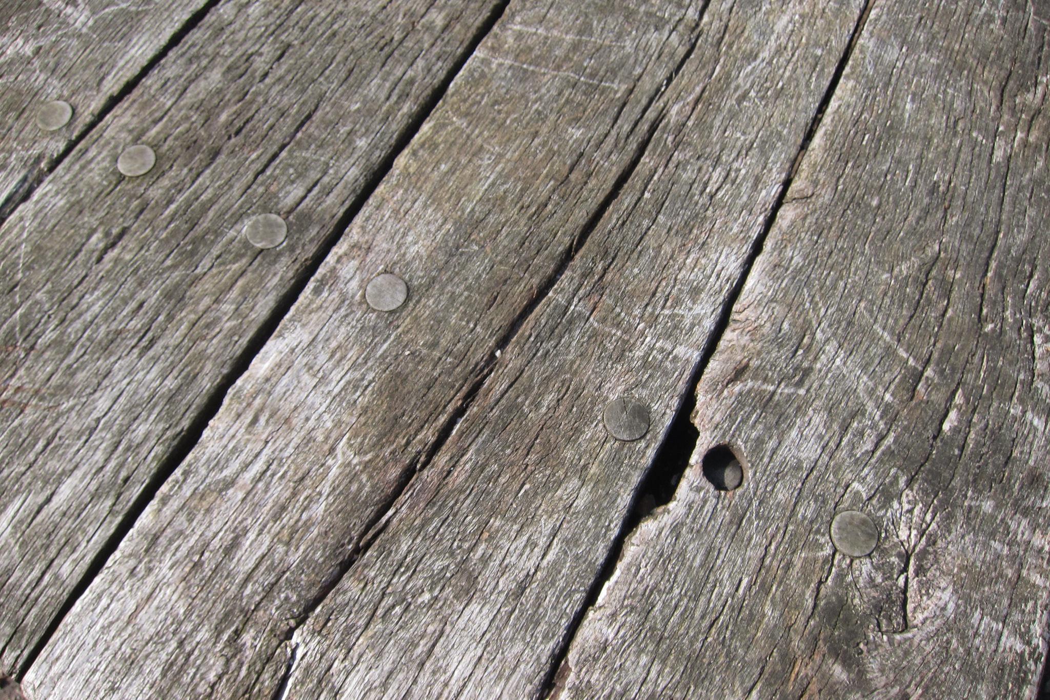 Come antichizzare il legno - Vendita tavole di legno ...