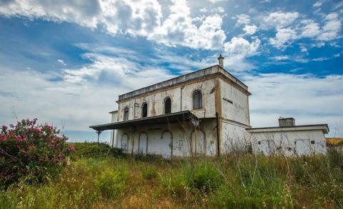 stazione abbandonata