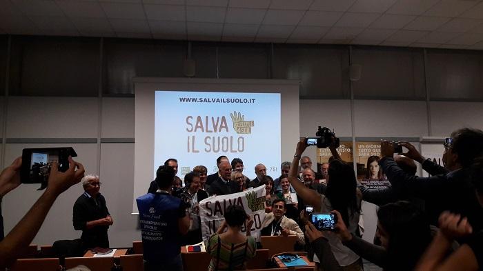 Fermare il consumo di suolo. Lancio della raccolta firme europea People4Soil 22 settembre 2016 (Salone del Gusto terra Madre)