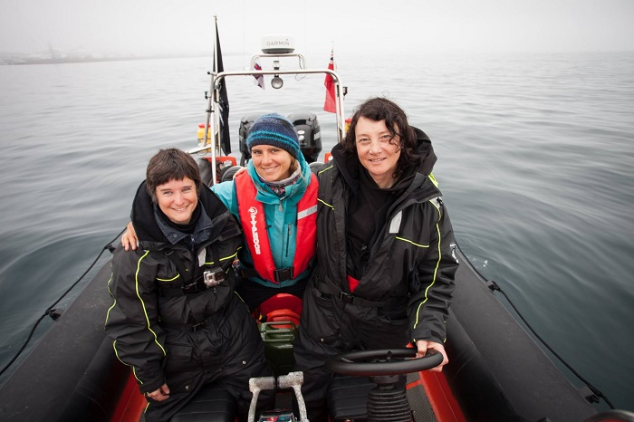 Da sinistra Celine Le Diouron, Marion Selighini e Jessie Treverton. Photo credit: Sea Shepherd / Barbara Veiga.