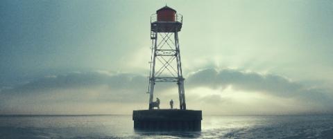 """Una clip di """"We are the tide"""""""