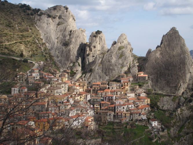 Castelmezzano-667x500.jpg