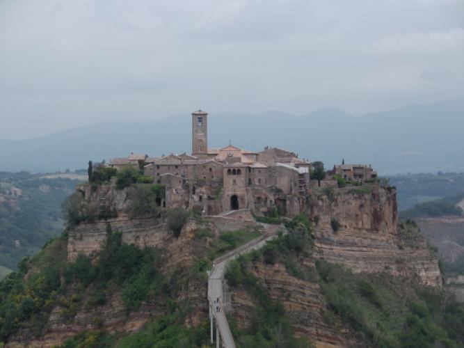 Civita-di-Bagnoregio-667x500.jpg