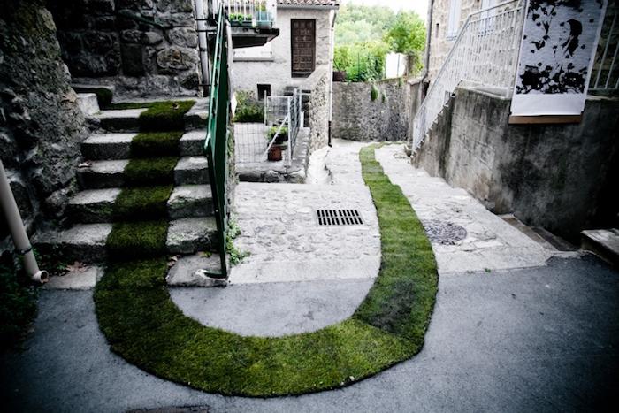 Moss-Graffiti-Pathway- fonte Tumblr