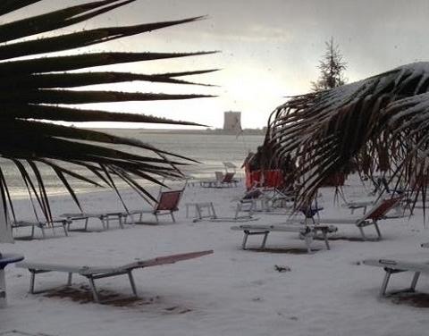 Spiaggia di Porto Cesareo (LE) sotto la neve - Foto di Giuseppe Cardone