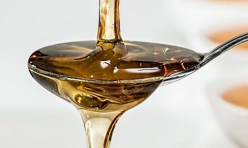 Tosse: il miele può essere un valido rimedio della natura.