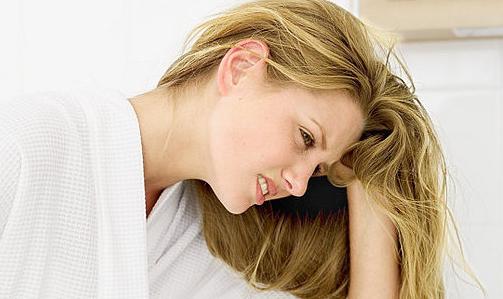 Dolori mestruali: si accompagnano spesso a nervosismo e sbalzi di umore