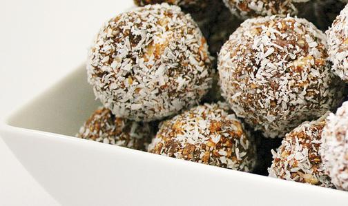 Energy balls: si possono preparare come ricetta antispreco con gli avanzi di frutta secca.