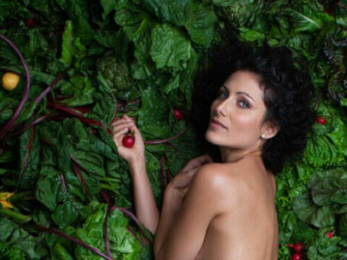 "Lisa Edelstein per la campagna PETA ""Eat Green to Go Green"""