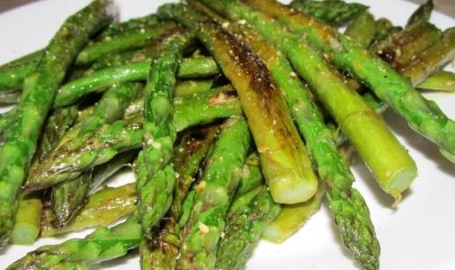 Gomasio: è un condimento ideale per insalate e verdure o per insaporire zuppe e minestre.