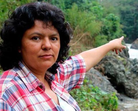 Berta Cáceres, l'ambientalista uccisa in Honduras per aver lottato contro la costruzione delle diga di Agua Zarca