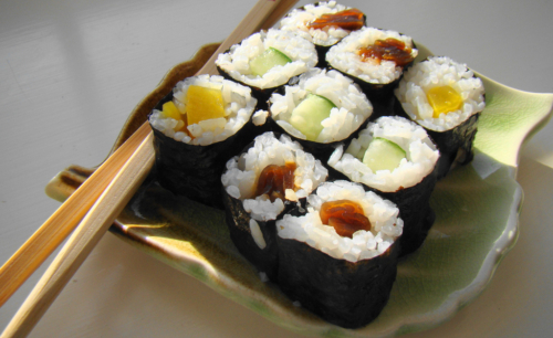 Sushi veg: i maki si possono preparare in casa procurandosi gli ingredienti necessari