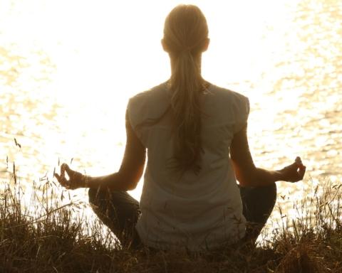 Yoga_copertina
