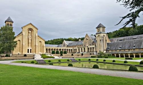 Abbazie trappiste: quella di Orval è un gioiello storico nel cuore della Vallonia.