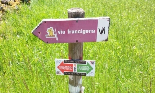 Via degli Abati: recentemente riscoperta, è considerata una variante montana della Via Francigena.