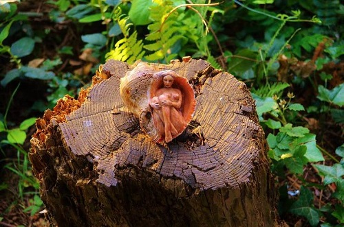 Esculturas-em-madeira-Debra-Bernier-03.jpg