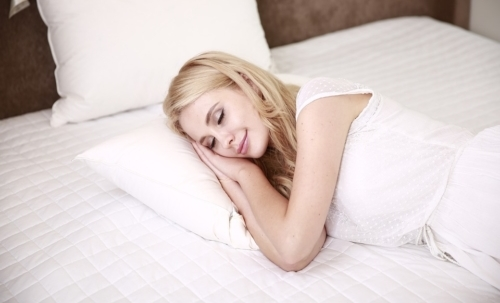 Insonnia: per contrastarla occorre adottare alcune semplici regole per una corretta igiene del sonno.