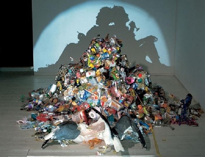 Opera d'arte contemporanea degli artisti Tim Noble e Sue Webster - Fonte: flickr.com