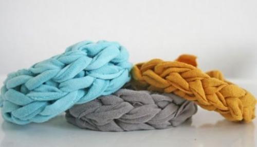 Collane con pezzi di stoffa (fonte: donnaclick.it)