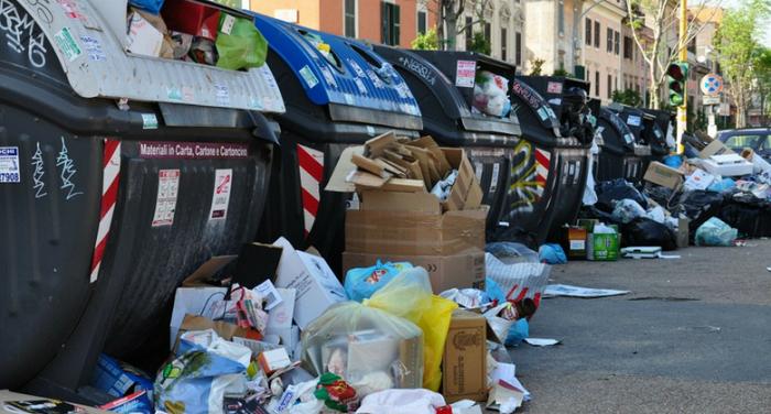 La situazione rifiuti in alcune città italiane