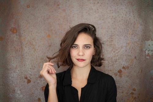 "Viola Sartoretto interpreta Gea, protagonista femminile de ""La terra buona"""