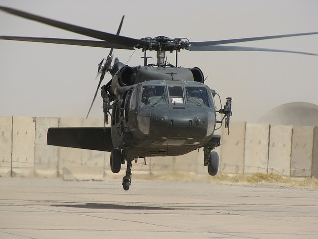 helicopter-773093_640-min