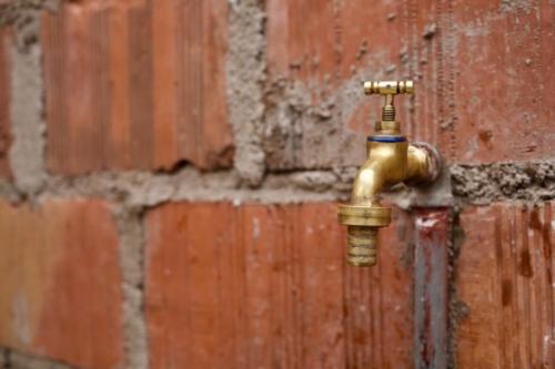 Matt Damon, impegnato per l'accesso all'acqua (facebook.com/pg/water)