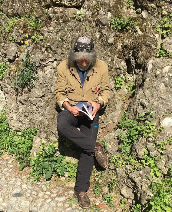 Lo scrittore e alpinista Mauro Corona - Foto: Mauro Corona Official