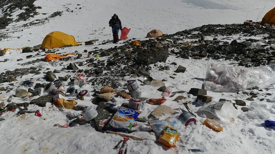 La raccolta dei rifiuti durante la spedizione