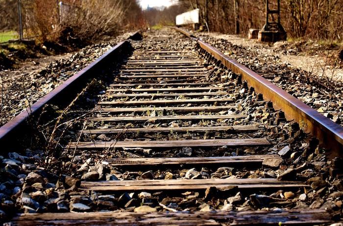 stazioni impresenziate ferrovia abbandonata