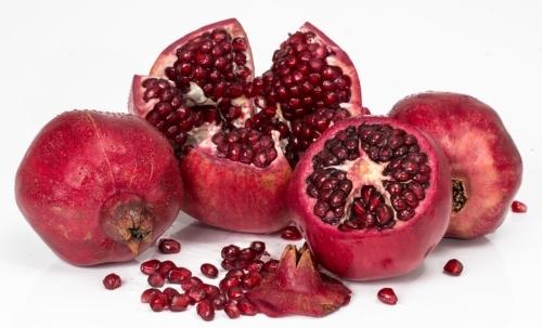 Antiossidanti naturali: tra i frutti rossi anche la melagrana è un alimento dallelevato potere antiossidante.