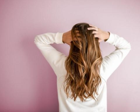 Rimedi naturali per la cura dei capelli tinti
