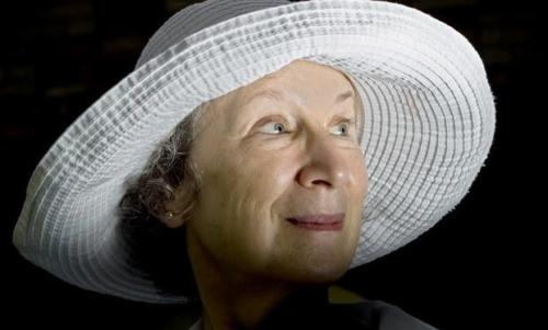 Il racconto dellancella: il romanzo della Atwood è stato reso noto soprattutto dalla serie tv a cui è ispirato.