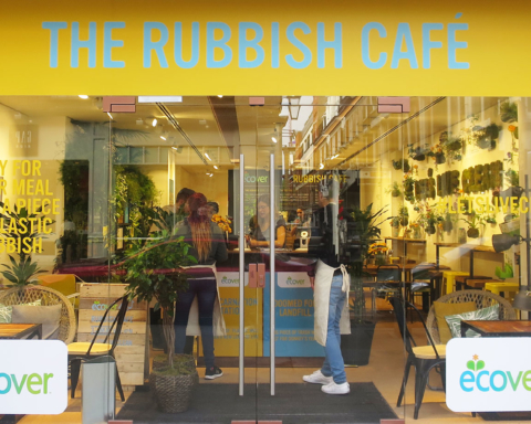 Rubbish Café