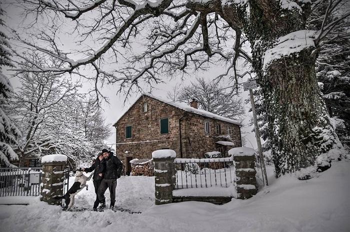 La nuova casa di Alessia e Tommaso in inverno
