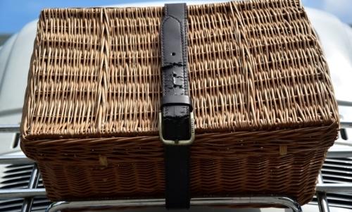 Gli hamper sono i classici cestini di paglia in stile inglese, ideali per un perfetto picnic.