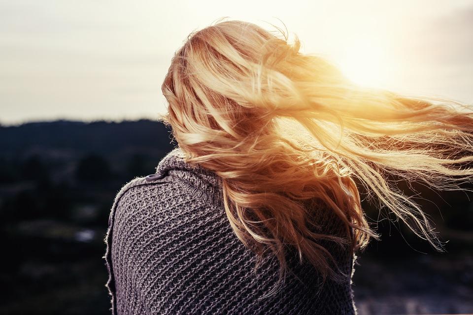 Caduta dei capelli: rimedi naturali