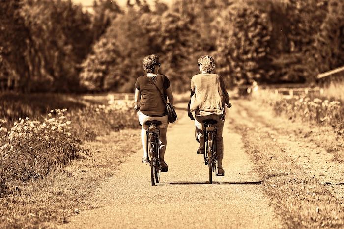 rallentare invecchiamento bicicletta donne