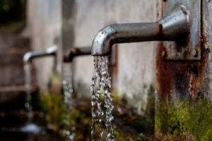 Equo accesso all'acqua potabile entro il 2030