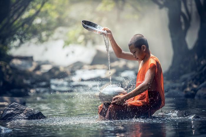 meditazione monaco buddista