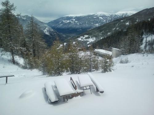 """La sezione CAI UGET di Torino ha approvato un bando per l'affidamento della gestione di questo rifugio alpino. Fonte foto: pagina Fb """"Rifugio Guido Rey"""""""