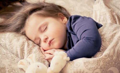 Pappa reale: indicata per bambini e anziani, è utile anche per recuperare le energie dopo un periodo di intenso stress.