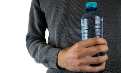Gli italiani sono tra i maggiori consumatori mondiali di acqua minerale.