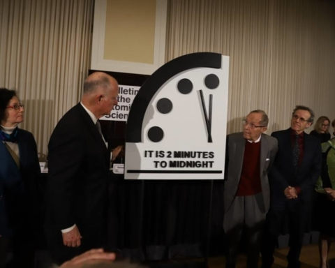 "Fonte foto: pagina FB ""Doomsday Clock"""