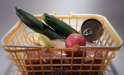 Lo spreco alimentare è un fenomeno da contrastare per il suo notevole impatto sull'ambiente e sull'economia domestica.