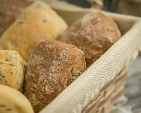 Pane del supermercato: cestino.