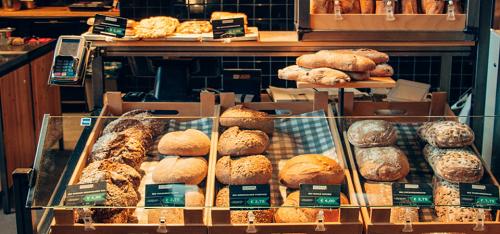 Pane del supermercato: banco di esposizione.