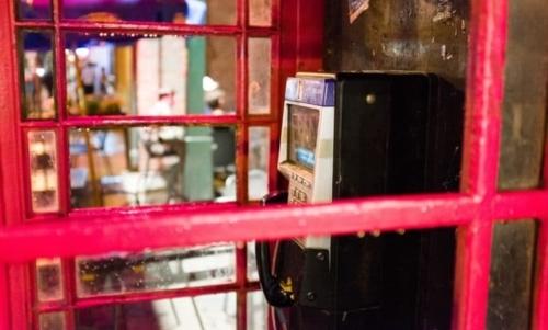 Le cabine telefoniche sono considerate ormai sleeping assets, cioè patrimoni dormienti.