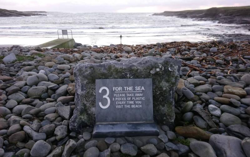 3 for the Sea: l'iniziativa per salvare le spiagge dalla plastica