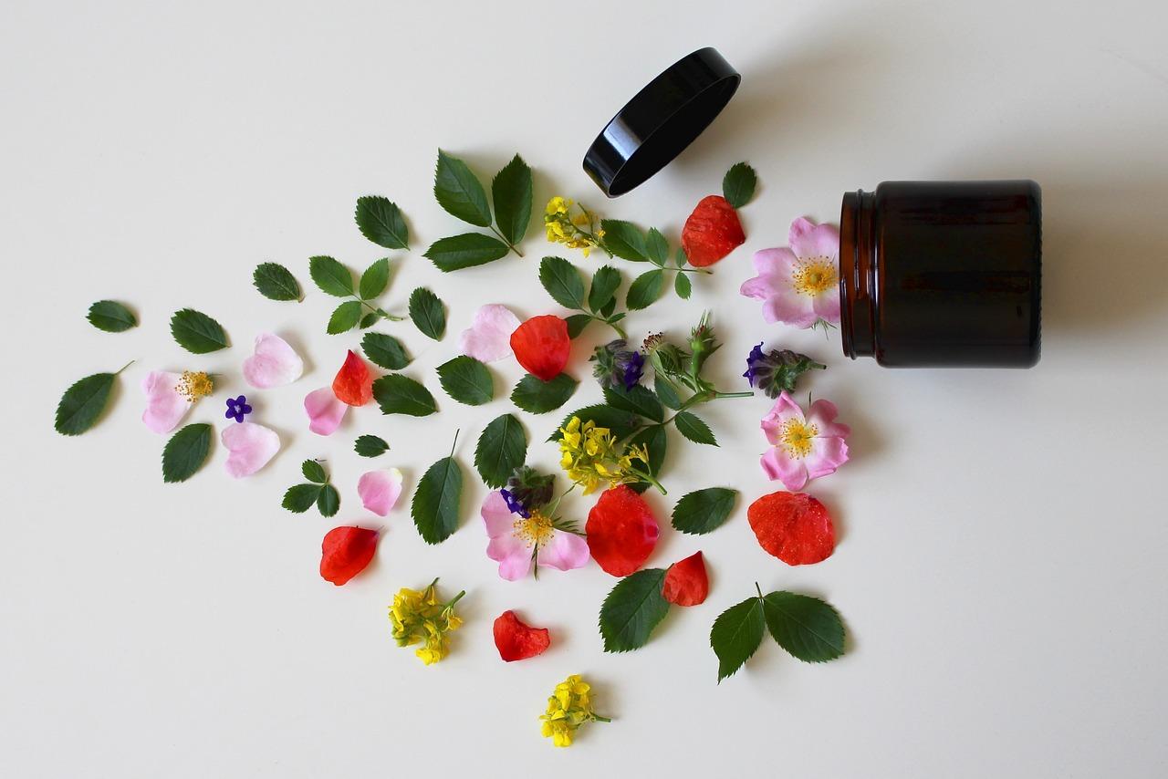 Acne. Per un selfie senza filtri: linone, salvia, melissa e bardana tra le piante amiche